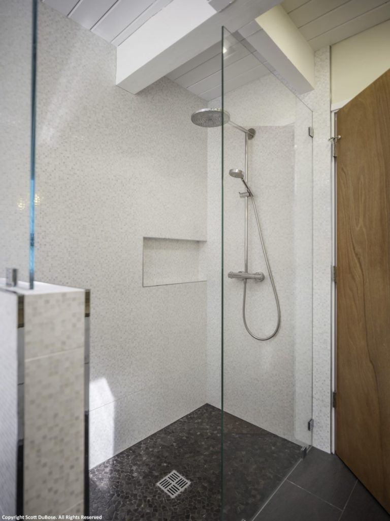 Compact Shower with Rain Shower Head