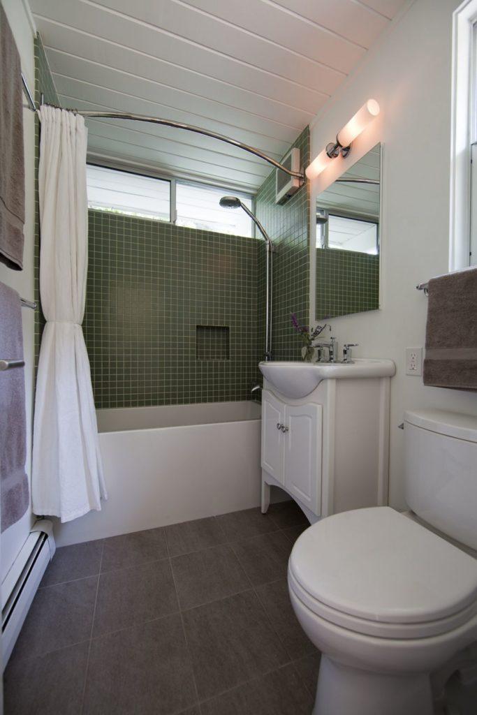 Elegant Modern Bath