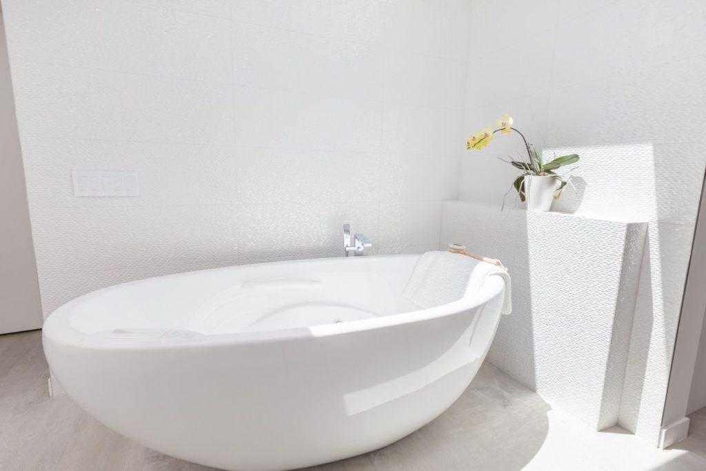 Restful Tub
