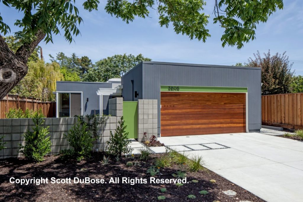 Keycon Eichler remodel shows off the modern lines and angles