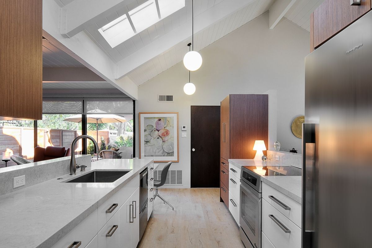 This Keycon remodel creates exhilarating open space