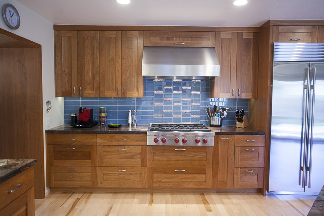 Natural Wood Warms This Keycon Kitchen