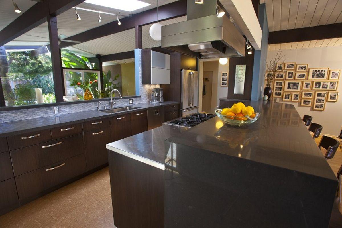 Dramatic Keycon kitchen