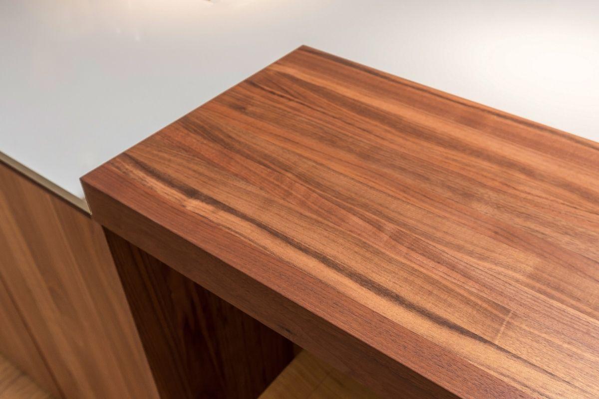 Kitchen Wood Grain Detail