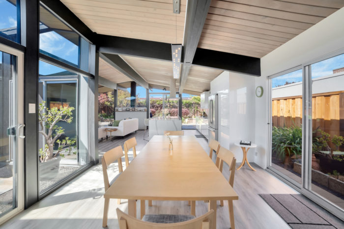 Keycon Eichler remodel uses glass brings the outdoors in