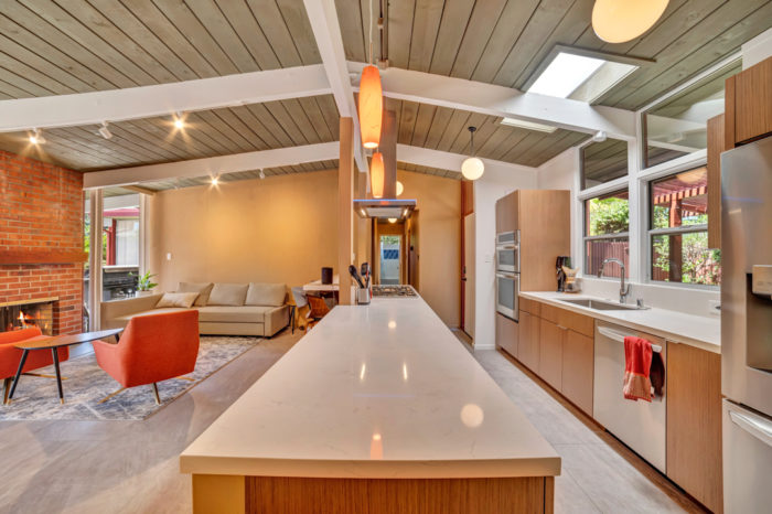 Keycon-remodeled Eichler kitchen delivers efficiency and modern style