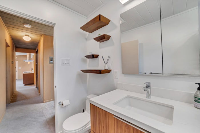 Stylish and functional modern Eichler bath remodeled by Keycon