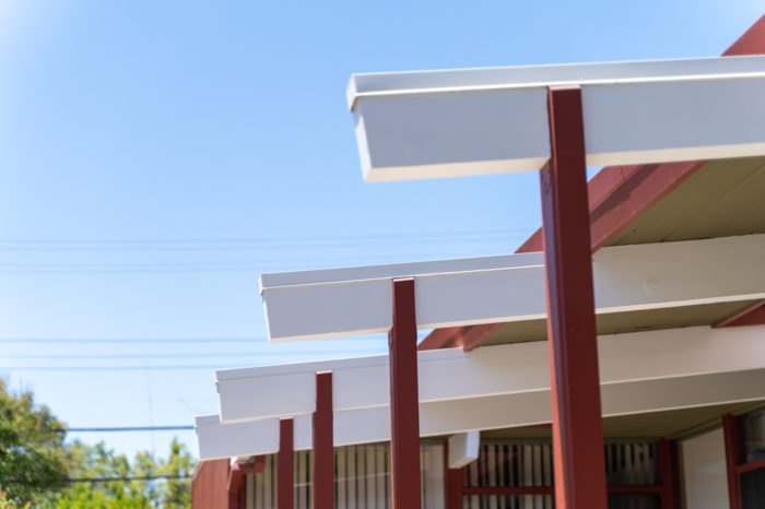 With Eichler exteriors, it's all about the beams