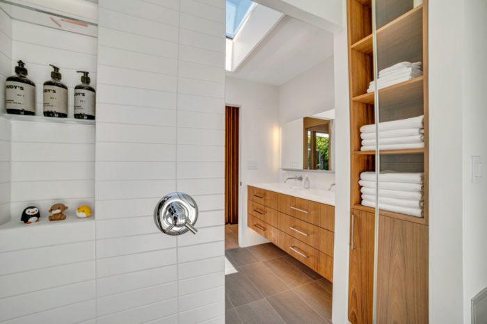 Peek around the corner to efficient Eichler bath remodeled by Keycon