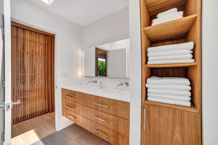 Eichler modern bath storage and fixtures remodeled by Keycon
